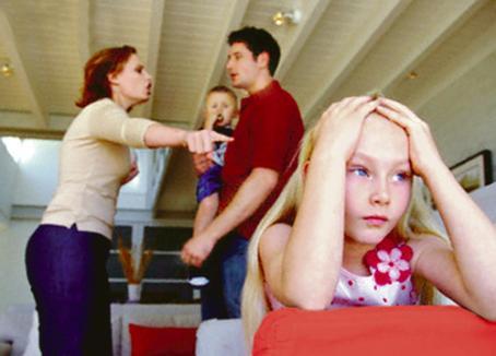 Părinţii care se simt neajutoraţi primesc consiliere