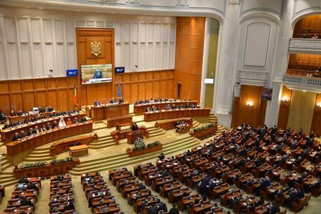 Parlamentul: Care este rolul său și care e statutul parlamentarilor