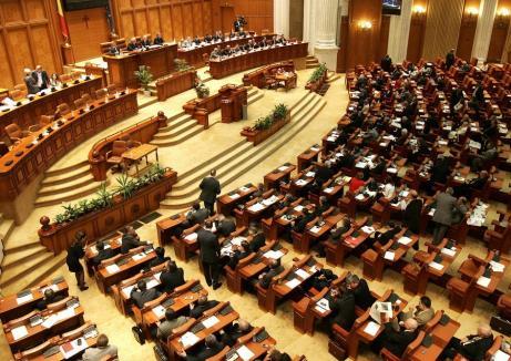 Bani pentru partide: Formaţiunile parlamentare au primit în martie subvenţii de 4 ori mai mari!