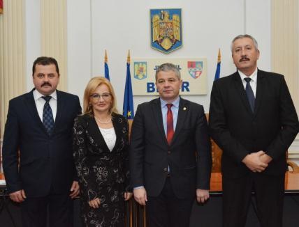 Tu ştii ce face parlamentarul tău? Aleşii PSD de Bihor nu spun cum vor vota la moţiunea de cenzură