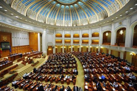Votul pentru moţiunea de cenzură: Grindeanu l-a înfruntat pe Dragnea