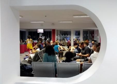 Scumpe şi în toiul nopţii: Consilierii PNL critică preţurile mari şi orele de operare ale zborurilor Tarom spre Milano şi Barcelona