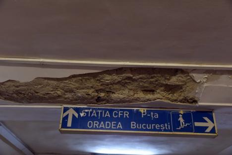 Pasaj, pericol public: Atenție când treceți prin pasajul subteran de lângă Gara Oradea! (FOTO)