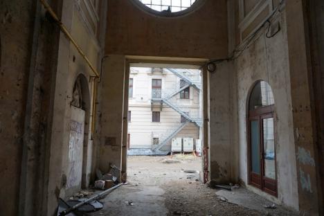 În sfârşit! Pasajul Madach din centrul Oradiei va fi reabilitat