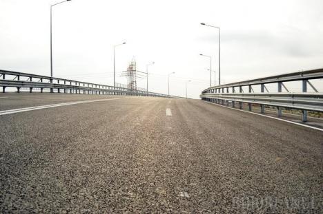 Construcţia pasajului peste giraţia de la Piaţa 100 din Oradea ar putea începe în septembrie