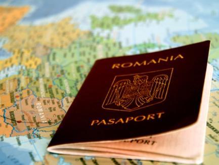 Începând de luni, românii pot primi paşaportul acasă
