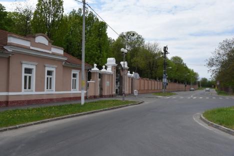 Premieră istorică. Cimitirul municipal din Oradea a fost închis duminică de Paştele Morţilor (FOTO)