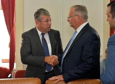 Judecată în deplasare: Şefii Consiliului Judeţean Bihor au cerut şi obţinut strămutarea procesului cu PNL la Timişoara