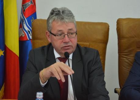 Pásztor călătorul: Președintele Consiliului Județean Bihor continuă excursiile pe bani publici