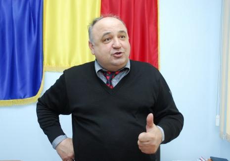 Varză contra petrol: Localnicii vor demisia primarului de Toboliu din cauza scandalului cu NIS