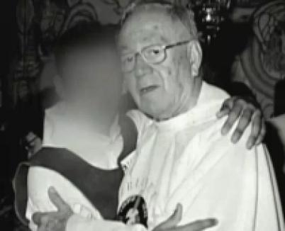 Preot filmat făcând sex cu un copil (VIDEO)