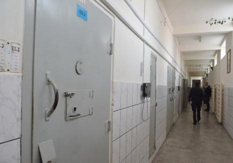 Prison Taxi: De ce nu a mai ajuns un criminal închis în Penitenciarul Oradea la judecată