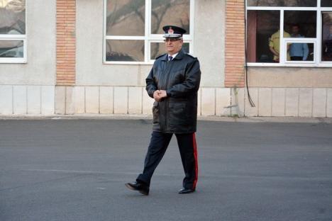 ISU Crişana, sub o nouă comandă: Generalul Baş, ieşit la pensie, a fost înlocuit de colonelul Caba (FOTO/VIDEO)
