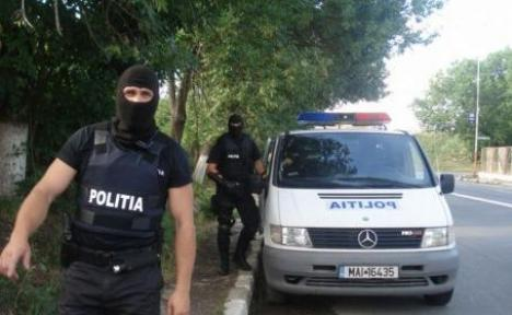 Percheziţii de amploare în Bihor: o filieră de evazionişti a provocat un tun de 5 milioane de euro statului român