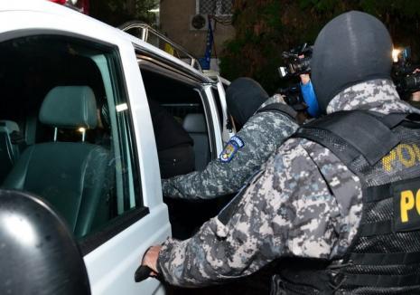 Percheziţii în dosarul 'Accidentul': 11 persoane, bănuite că au înşelat 20 de bihoreni!