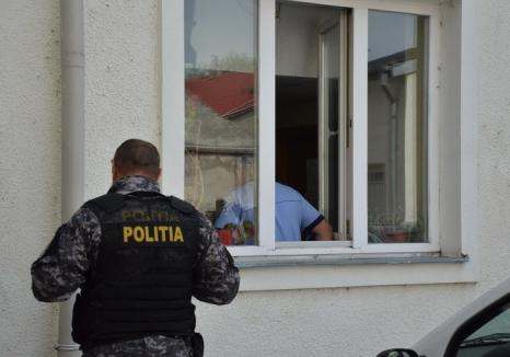 Percheziţii în Bihor: Poliţiştii caută hoţi de vestigii istorice din perioada romană şi medievală