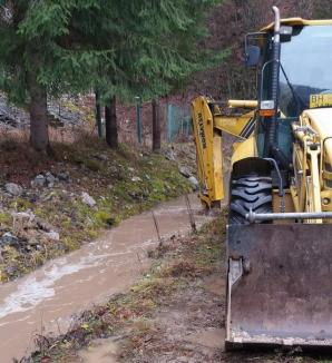Infiltrații în barajul Leșu: Centrala hidroelectrică din aval, în pericol de inundare (FOTO)