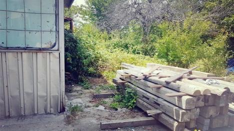 Imagini dezolante la Peştera Urşilor. Standuri dărăpănate şi deşeuri peste tot (FOTO)