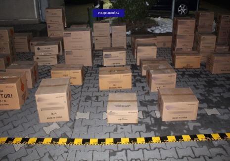 """Captură """"explozivă"""" a Poliţiei Bihor: Peste 960.000 de petarde și baterii de artificii de contrabandă au fost confiscate (FOTO)"""