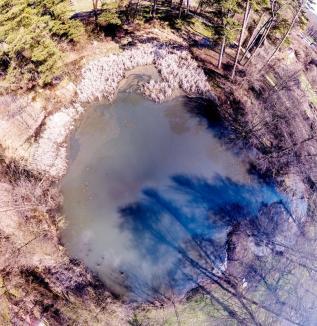 Ce înseamnă închiderea robinetelor de apă termală: Lacul Ochiul Mare, din Băile 1 Mai, s-a umplut cu apă
