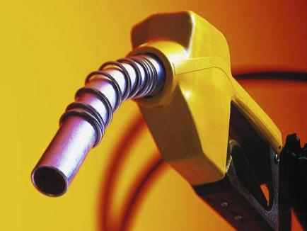 Un petrolist din Ungaria, anchetat la Oradea pentru o evaziune fiscală de peste un milion de lei