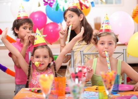 Picii orădeni pot sărbători Revelionul în avans, la Orăşelul Copiilor