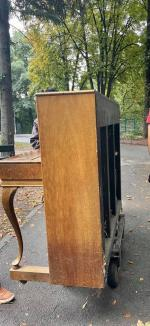 Pianina din Parcul Libertății din Oradea a fost din nou vandalizată (FOTO)