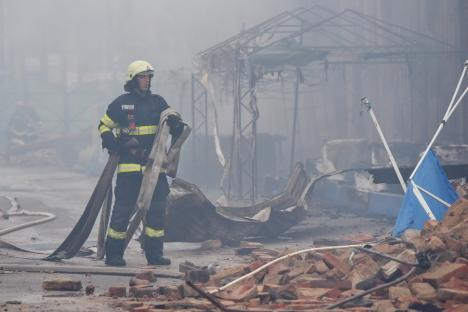 Imaginile dezastrului: Cum arată Piaţa Mare din Oradea, în urma incendiului (FOTO / VIDEO)