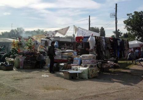 Razie în piaţa din Tinca: 52 de persoane legitimate, 42 autoturisme şi 12 firme controlate