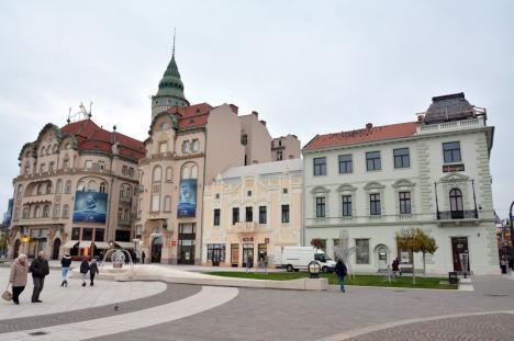 Piaţa Unirii, fără schele. A fost finalizată reabilitarea faţadei clădirii de la colţul străzii Alecsandri (FOTO)
