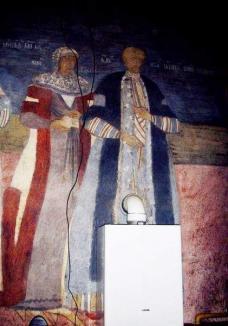 La noi, ca la nimeni: Centrală termică montată peste o pictură veche de 200 de ani, într-o biserică!
