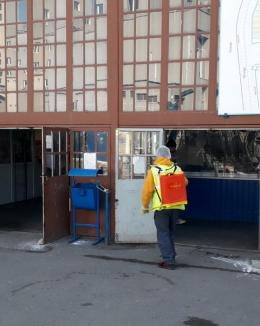 ADP: Pieţele din Oradea sunt dezinfectate zilnic (FOTO)