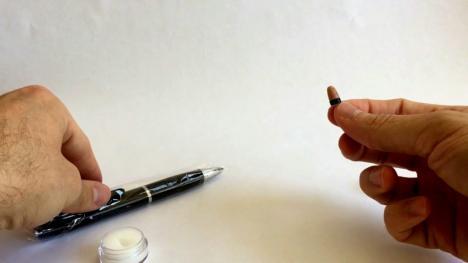 Copiuţe hi-tech: Patru tineri bihoreni, daţi afară de la Bac, după ce au încercat să folosească pixuri inteligente