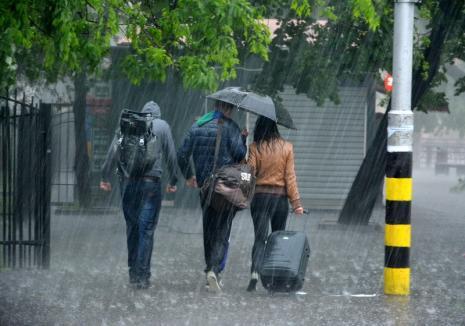 Avertizare imediată de vreme rea: meteorologii anunță furtuni în mai multe localități din Bihor