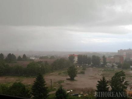 Cod portocaliu de vreme rea în Bihor. Vezi localitățile afectate!