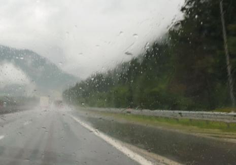Planuri să ieşi la munte? Cod galben de ploi şi instabilitate atmosferică temporar accentuată în Bihor