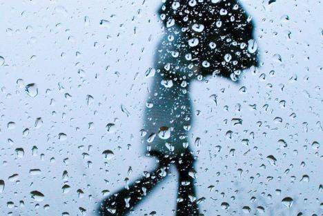 CODUL GALBEN de furtuni şi grindină se prelungeşte în Bihor. Vezi localităţile afectate!