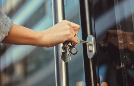 Şi-au închis porţile! Mai multe instituţii din Bihor, inclusiv cele de cultură, şi-au suspendat sau rărit activitatea cu publicul