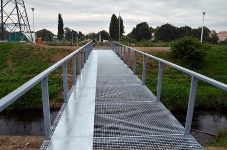 Primăria va construi o nouă pasarelă peste Peţa