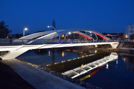 Ziua siguranţei pacientului. Podul Centenarului va fi iluminat în portocaliu