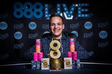 Clujeanul Cătălin Pop câştigă turneul de poker al lunii şi 80.000€ la King's Casino în Cehia