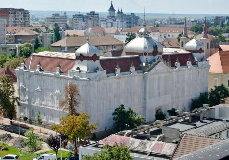 Consiliul Judeţean a cerut bani de la Stat pentru reabilitarea fostei Policlinici Mari şi a hanului 'Arborele Verde'