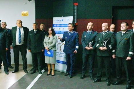 Cu mascaţi şi preot: Poliţia Bihor a inaugurat cel mai modern poligon de tragere din ţară (FOTO / VIDEO)