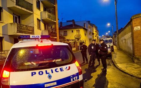 Scene de groază la periferia Parisului: un profesor a fost decapitat în mijlocul străzii