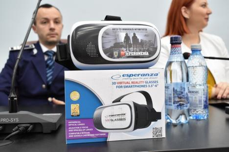 Tâlhărie în 3D: Poliţiştii folosesc ochelari VR, ca să le arate bihorenilor cum acţionează hoţii (FOTO / VIDEO)