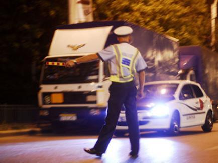 Mită la Poliţia Rutieră: Austriac reţinut după ce a încercat să spăguiască doi poliţişti