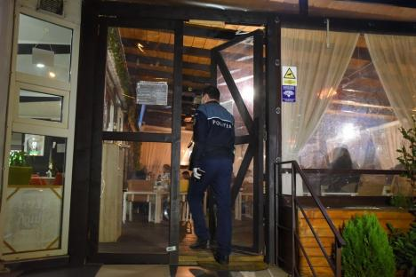 Controale în localurile din Oradea, fără amenzi. Pe o terasă din oraş, distanţa între mese nu s-a respectat, dar autorităţile au fost îngăduitoare (FOTO / VIDEO)