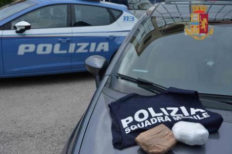 Un poliţist român, declarat 'agentul 007' de italieni: S-a infiltrat într-o reţea de droguri şi a ajutat la prinderea traficanţilor