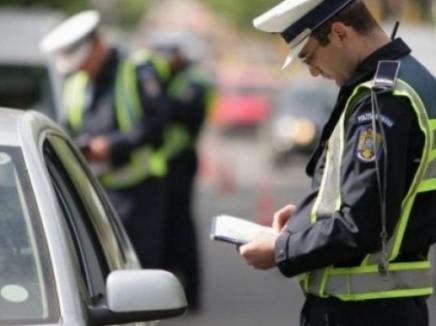 """Poliţiştii au """"periat"""" judeţul în prag de Paşte: Razii în pieţe, târguri, în trenuri şi pe şoselele din Bihor"""