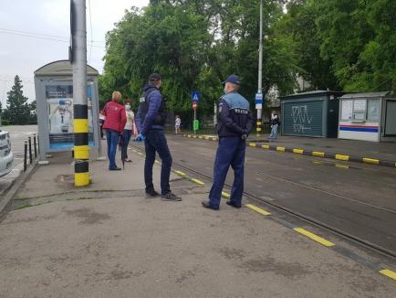 La comanda prefectului Ţiplea, poliţişti şi jandarmi verifică dacă orădenii şi bihorenii poartă măşti în spaţiile închise. Au descoperit că mulţi nu o fac... (FOTO)